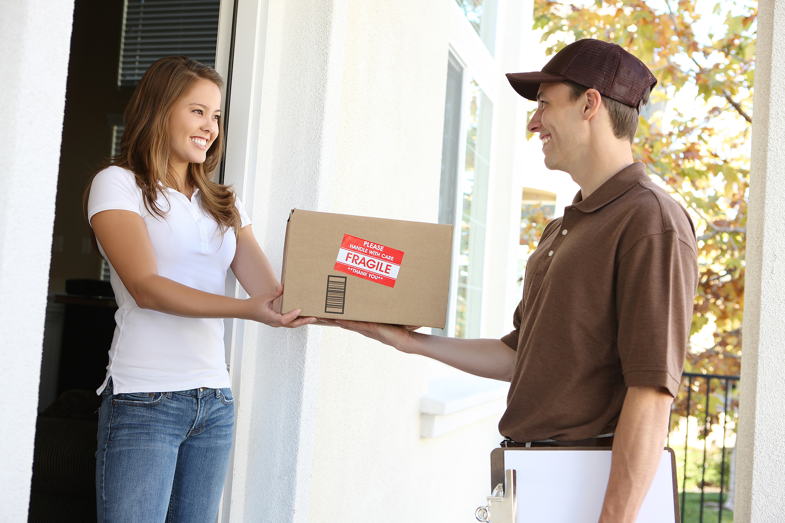 Art Couriers & Services They Provide